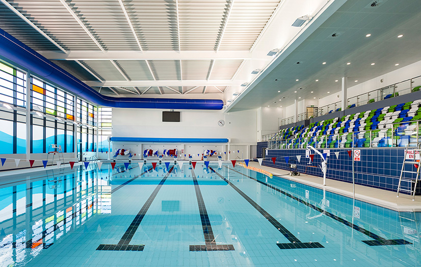 Brand new oldham leisure centre to open its doors to the public saddleworth independent for Open door swimming pool london